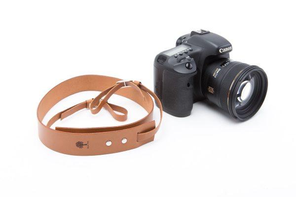 koniakowy skórzany pasek do aparatu fotograficznego