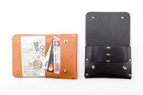 duża portmonetka skórzana w wersji z knopikami